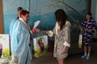 Чествование Солигорской районной организацией РОО «Белая Русь» матерей, дети которых родились 9 мая